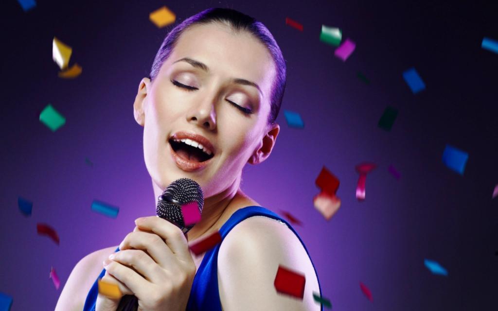 Всего 20 минут в день: чтобы справиться со стрессом, специалисты рекомендуют петь мантры, слово  ом  или любимую песню