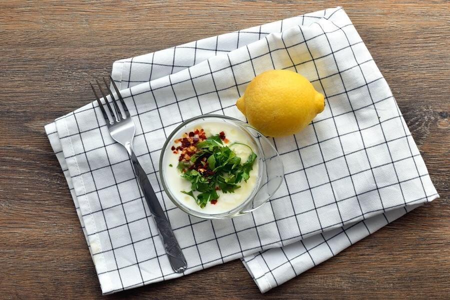Вкусный салат из картофеля дольками с зеленью и сыром. Рецепт приготовления