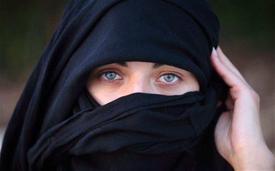 А что под хиджабом? Как одеваются арабские женщины дома, и что они делают, чтобы оставаться привлекательной для мужа на долгие годы