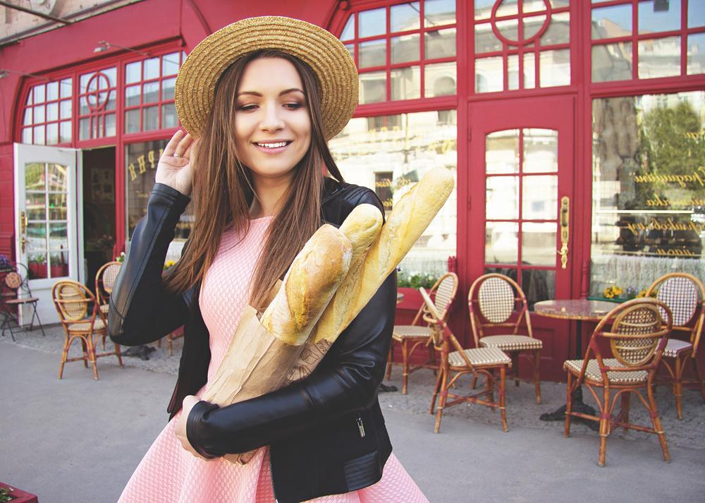 Парижане много курят, обожают багет и считают себя центром Вселенной: побывав в Париже, я узнала много нового