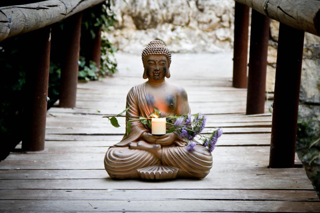 Картинки в стиле дзен, поздравительная открытка марта