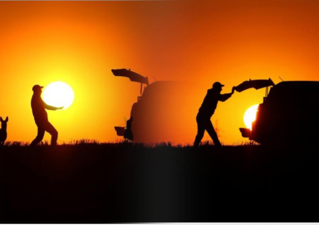 Волшебство фотографии: человек «поднимает» солнце и кладет его в багажник своего автомобиля