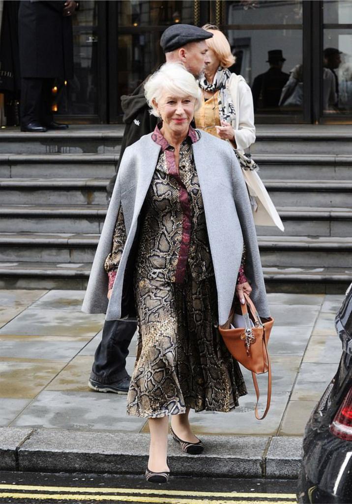Как выглядеть стильно в 74 года: лучшие образы актрисы Хелен Миррен