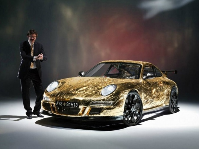 Умелец сделал точную копию Porsche 911 из велосипеда, картона и ПВХ труб (фото)