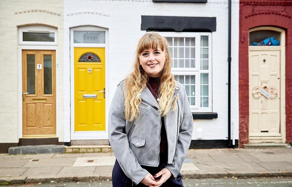 Девушка купила дом за фунт и превратила его в обитель мечты: фото