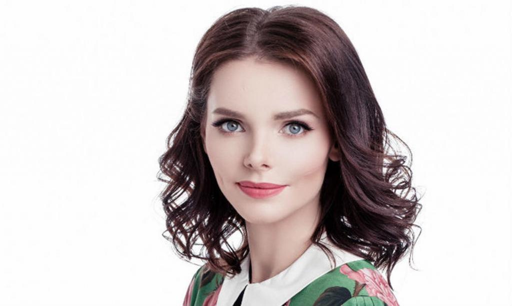 «Я не готова...»: Елизавета Боярская рассказала о выборе школы для старшего сына и правилах воспитания