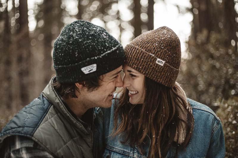 Исследование показывает, что пары, в которых партнеры подшучивают друг над другом, имеют более крепкие отношения
