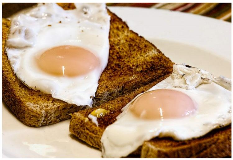 Картофель, яичница, курица: 7 блюд, которые не рекомендуется разогревать