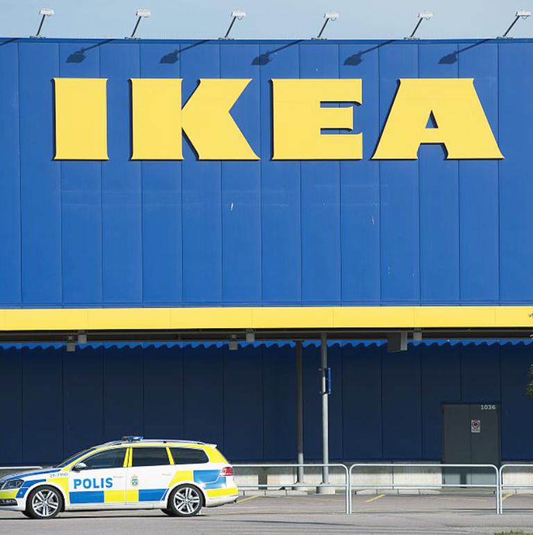 Полиция остановила игру в прятки в ТЦ IKEA, в которую играли 3000 человек