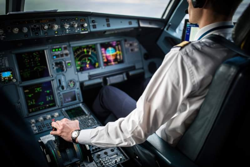 В полете нас заставляют мерзнуть неспроста: сотрудник авиакомпании рассказал 7 интересных фактов о самолетах