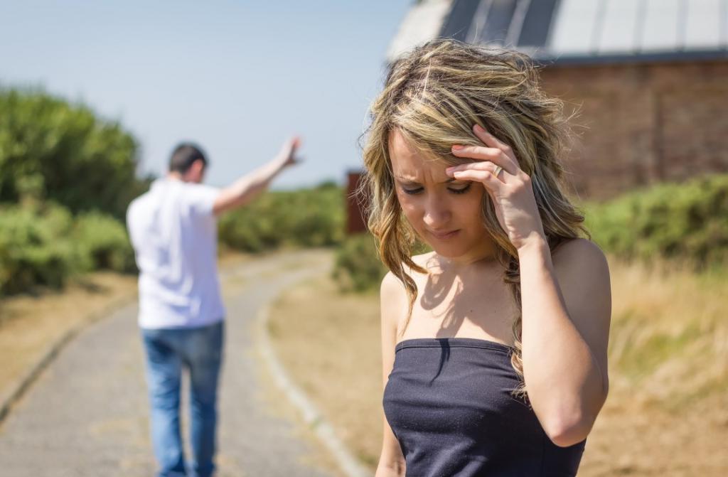 Критиковать других, сравнивать его с бывшим, ругаться с его мамой: 7 верных способов оттолкнуть мужчину и разрушить отношения