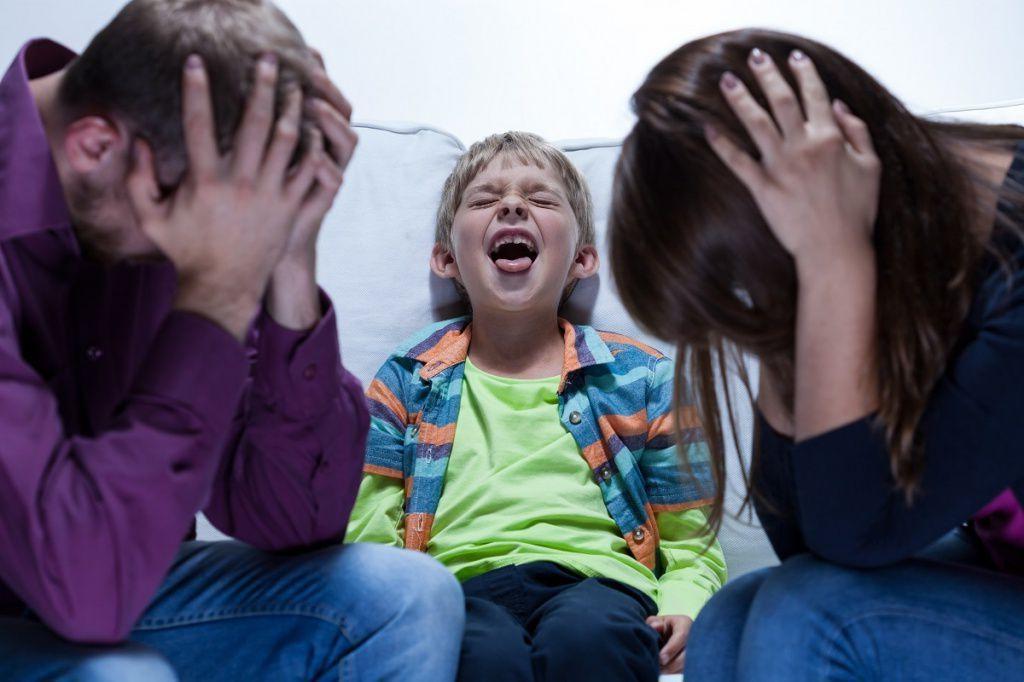 Причины, по которым очень часто родители бывают сами виноваты в плохом и неуправляемом поведении своих детей