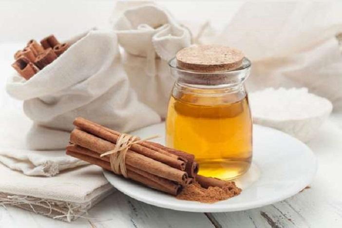 Чудесный напиток, помогающий похудеть, который надо пить перед сном: мед и корица