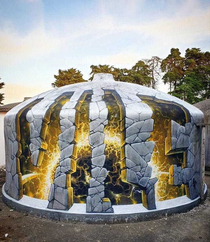 Прозрачные стены и ложные дыры: 10 граффити работ художника, который творит чудеса только своим баллончиком