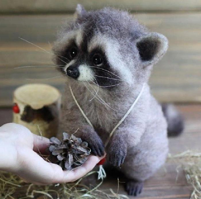 Российская художница создает шерстяные игрушки, которые сложно отличить от настоящих животных