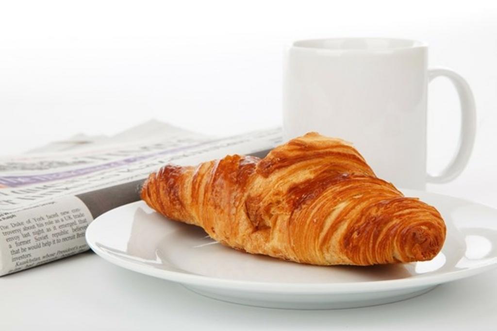 Еда на ходу, мини порция и еще три ошибки, которые мы часто совершаем с утра: диетолог рассказал, что мы делаем не так во время завтрака