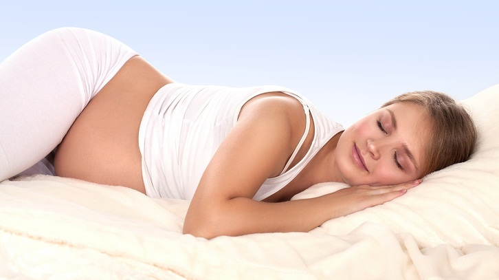 Безопасные положения во время беременности, которые помогут будущим мамочкам отдохнуть