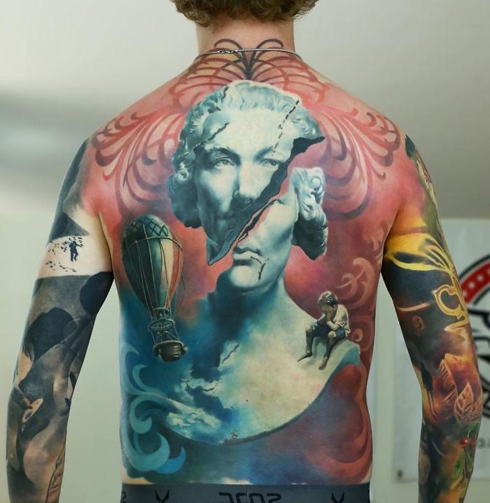 Ходячее произведение искусства: 10 удивительных татуировок, украшающих всю спину человека