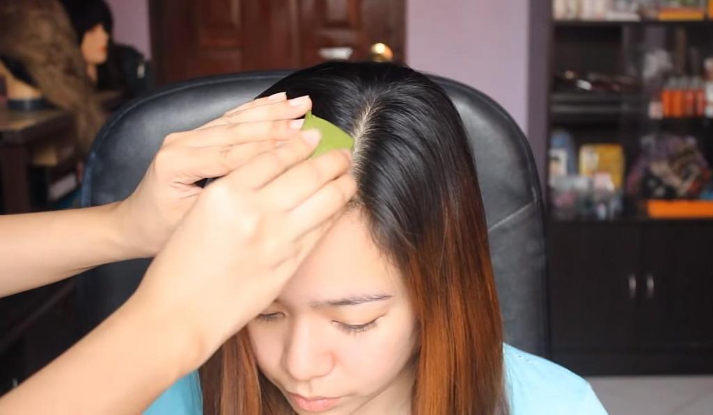 Девушка нанесла сок алоэ на волосы и поделилась результатом процедуры