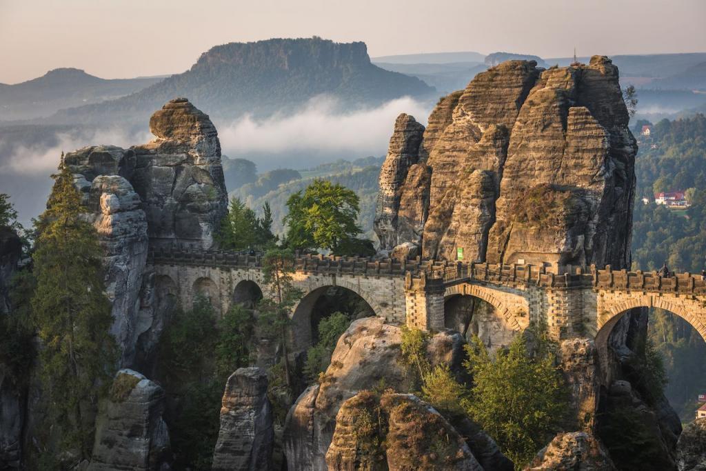 Национальный парк Саксонская Швейцария в Германии: скалолазание, пешие походы и другие виды досуга для активных туристов