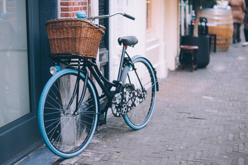 На острове Таити власти оплачивают 70 % стоимости любого велосипеда, чтобы стимулировать горожан пересесть на экологически чистый транспорт