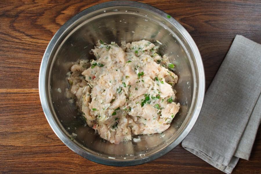 Готовлю фрикадельки из куриного мяса и яблок. Рецепт вкусного блюда