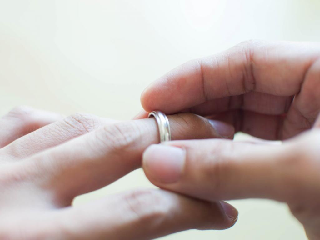 Женщины обманывают так же, как и мужчины: что пары должны знать о науке обмана