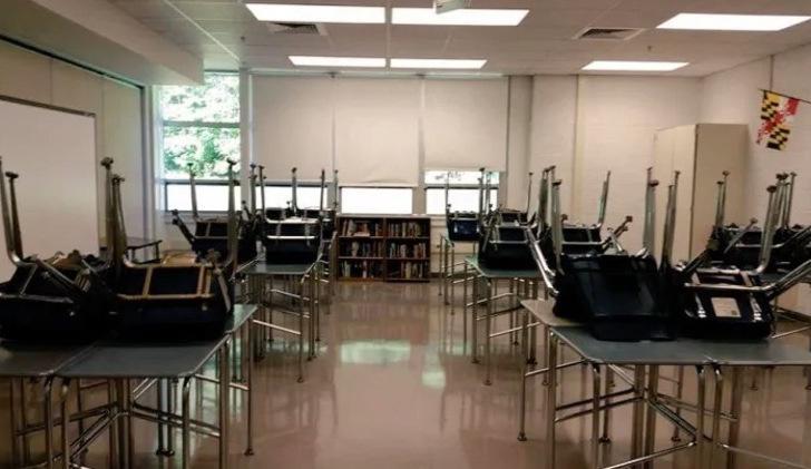Маглам вход разрешен: учитель превратил классную комнату в кабинет Хогвартса