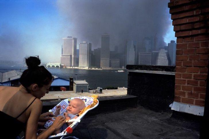 Как будто это случилось только вчера: 10 редких фотографий башен близнецов с 11 сентября 2001 года