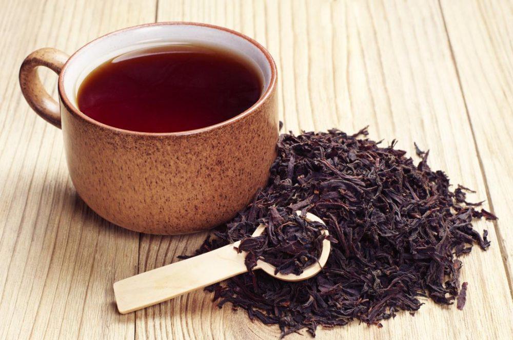 Как я делаю натуральный очиститель для окон из черного чая