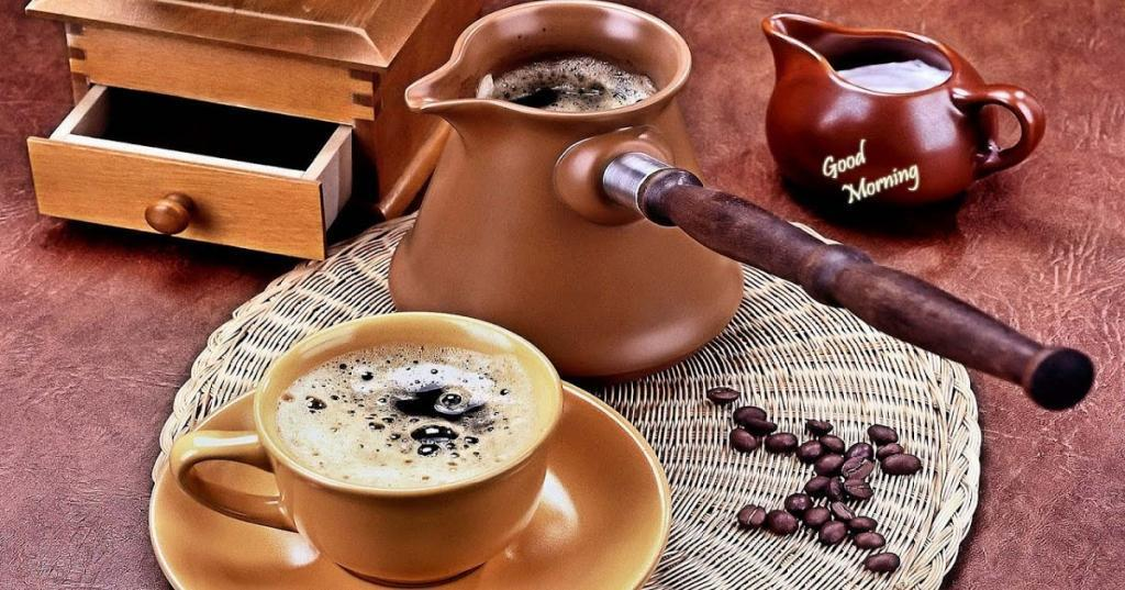 Сливочное масло, корица и не только: продукты, которые превращают кофе в максимально полезный напиток