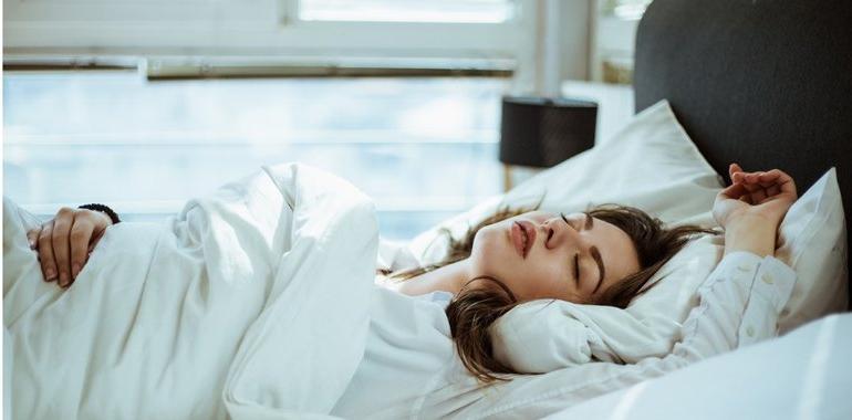 Как материал и цвет постельного белья влияют на сон. Предпочтение лучше отдавать пастельной гамме оттенков
