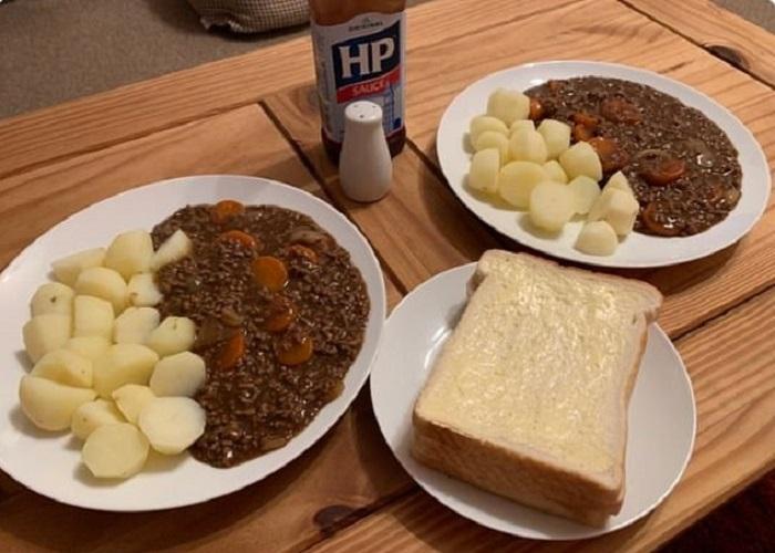 Девушка решила похвастаться умением готовить, но пользователи интернета сравнили ее блюдо с тюремной едой