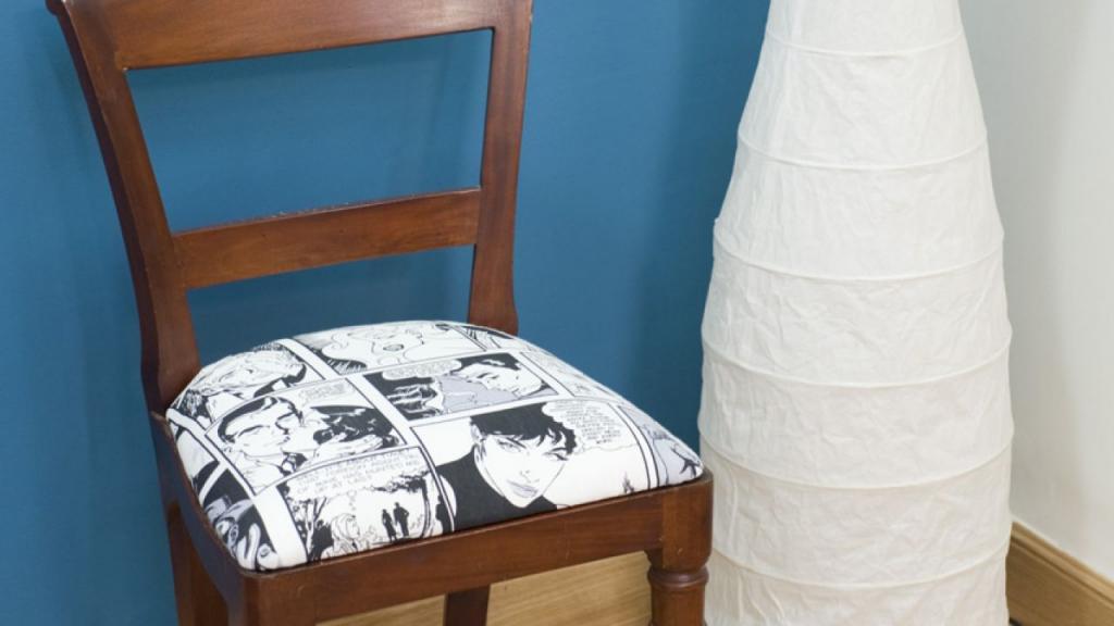 Новая жизнь старого гарнитура: кум помог обить и отремонтировать мягкие сидения стульев