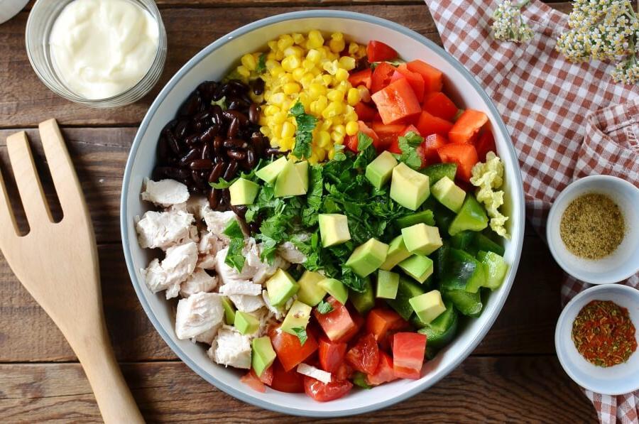 Мексиканский салат с курочкой и овощами. Готовлю на все торжества вместо надоевшего  Оливье