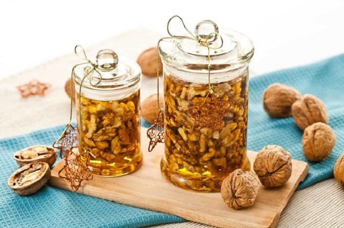 По совету подруги врача я сделала из орехов вкусное  лекарство . Теперь балую свою семью вкусным и полезным лакомством