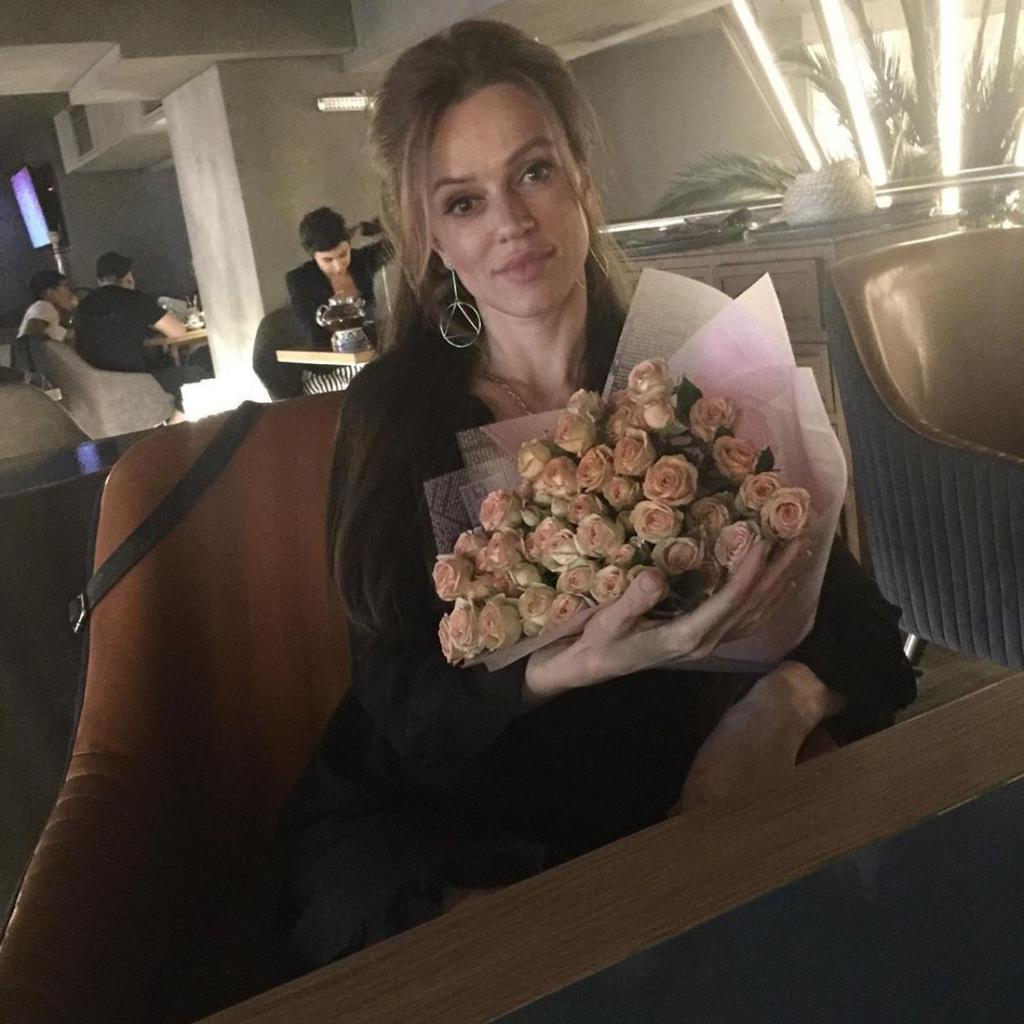 Женщина решила стать точной копией Анджелины Джоли: муж поддерживает ее морально и финансово