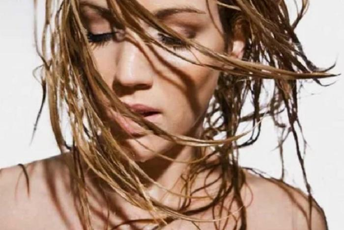 Что станет с волосами, если мыть их без шампуня: результаты реального эксперимента