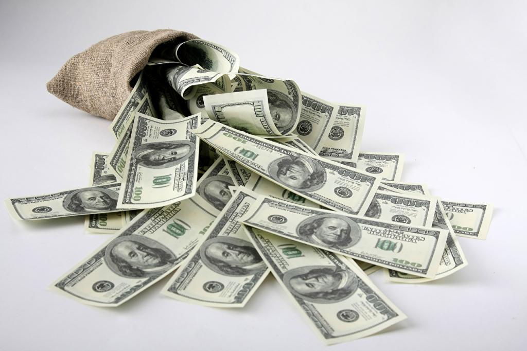 Чашка с водой, клубок ниток, мед: 7 проверенных оберегов, которые способны привлечь в дом деньги и удачу