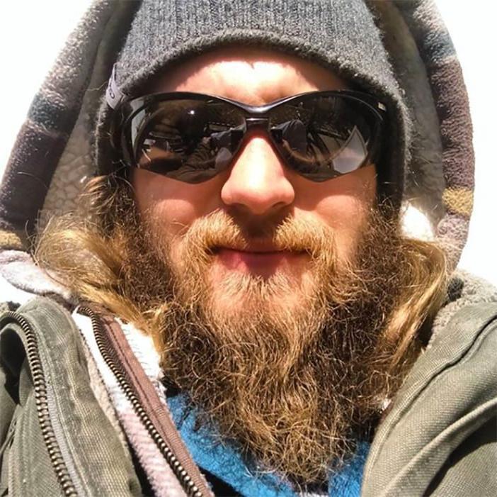 Барбер сделал из неопрятного парня настоящего красавчика: фото