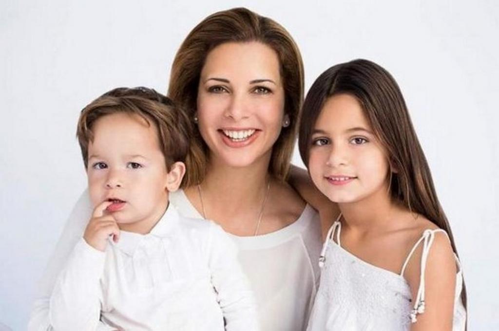 Принцессы тоже плачут: жена шейха Дубая просит суд запретить выдавать дочь замуж