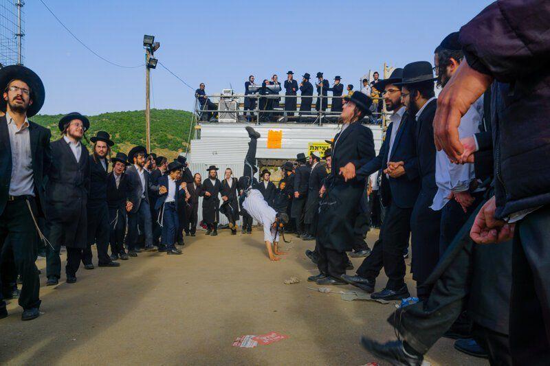 Почему у традиционного еврейского танца