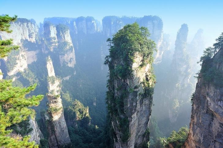 Места, которые вызывают трепет даже у тех, кто считает, что видел все в этой жизни: Национальный лесной парк Чжанцзяцзе в Китае   самый известный в мире