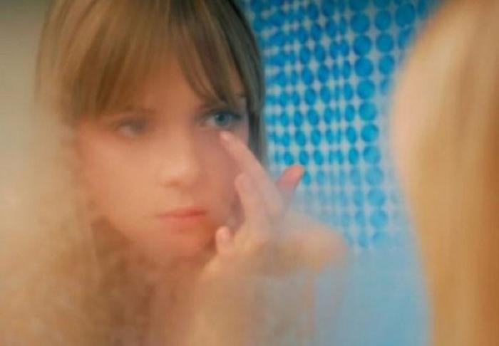 Муж ругался, что после меня всегда запотевшее зеркало в ванной. Подруга дала совет, как избежать этого