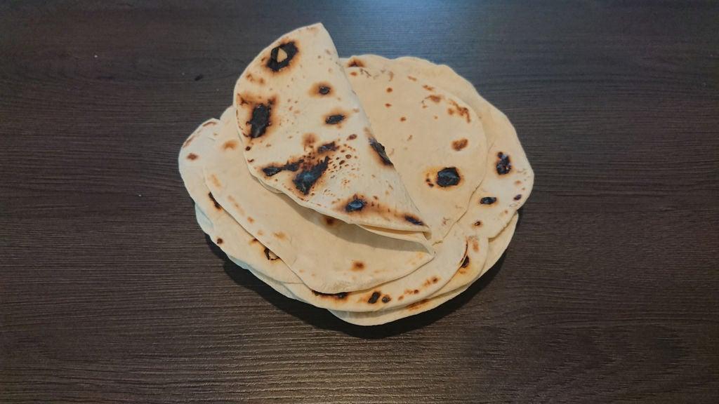 Недавно я нашла быстрый рецепт тортильи: это прекрасная альтернатива покупному лавашу