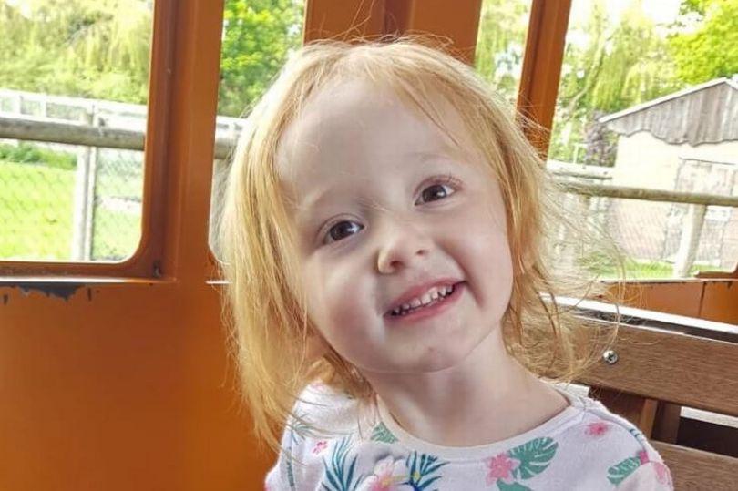 Врачи сказали, что у 3-летней малышки просто запор - и она умерла у мамы на руках