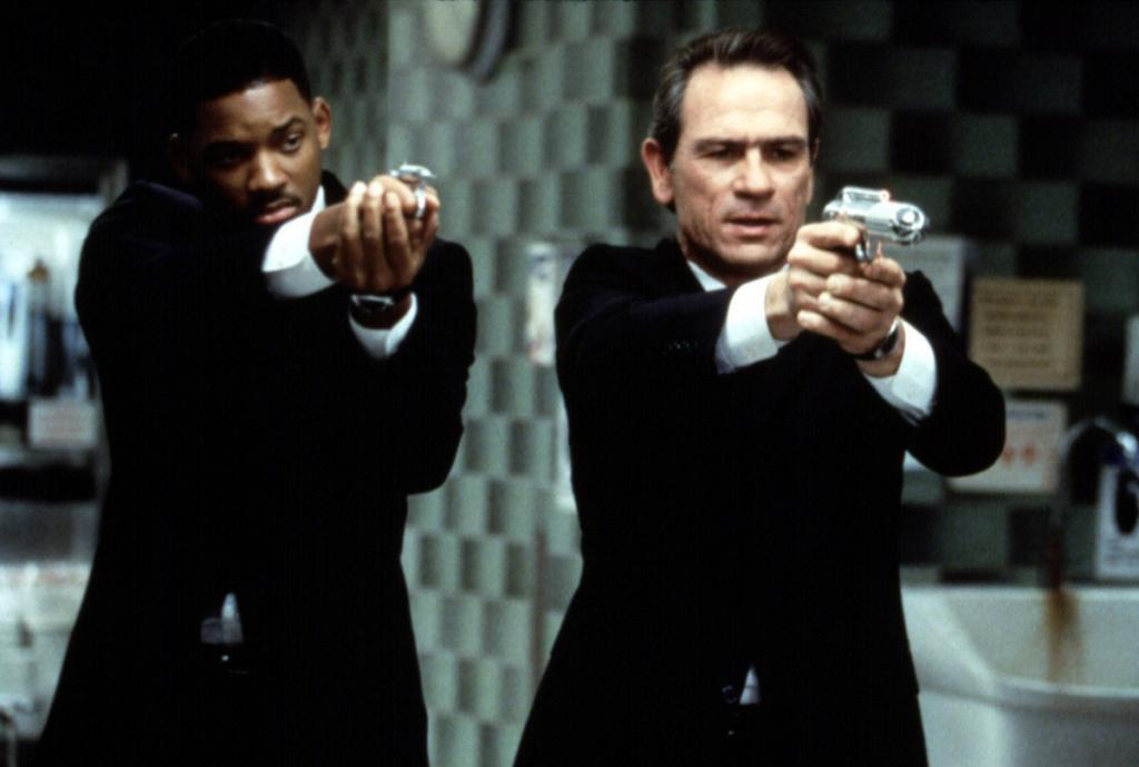Они выглядят сногсшибательно и получают баснословное жалование: 10 мифов об агентах спецслужб, в которые мы верим благодаря кино