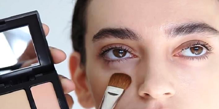 Немного консилера и стрелки: 7 простых трюков в макияже, которые помогут сделать ваши глаза больше и выразительней