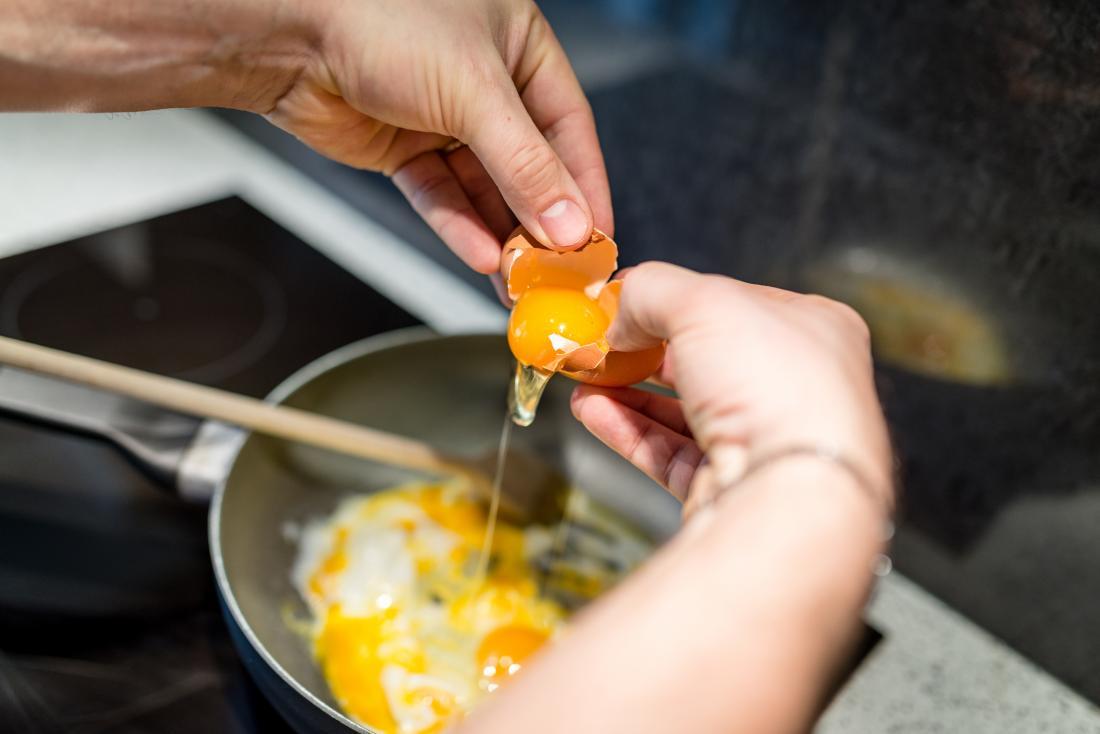 Яйца - продукт полезный, но их нельзя есть более 3 в неделю. Вот почему