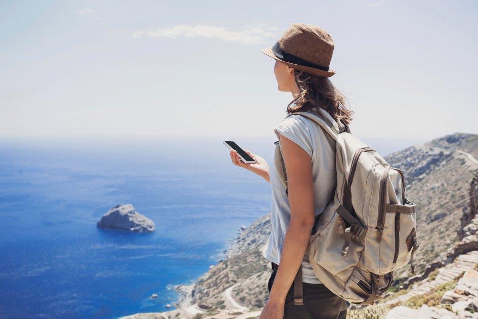 Посмотреть на себя другими глазами и получить новые навыки: почему все больше людей предпочитают путешествовать в одиночку